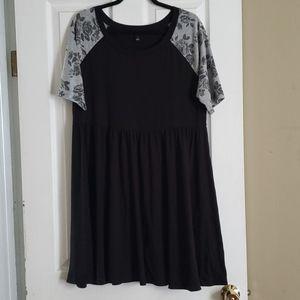 Torrid size 1 floral sleeves dress